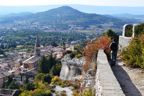 st staurnin les apt luberon provence self guided walking holiday